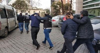 Üç torbacı tutuklandı