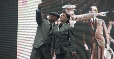 Mankenler Atatürk'ün giysilerini sergiledi