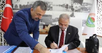 Demirtaş 'Sosyal Denge Sözleşmesi'ni imzaladı