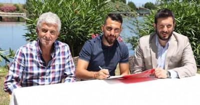 Ferhat Çulcuoğlu imzayı attı