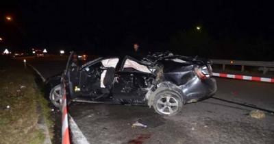 Otomobiller çarpıştı: 2 ölü 4 yaralı