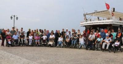 Engelliler denize açıldı