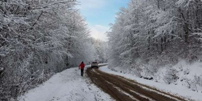 Tepelere kar yağıyor