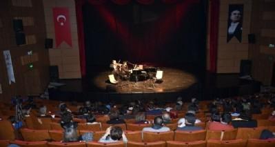 Cihat Aşkın'dan OMÜ'de konser