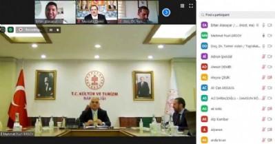 Bakan Ersoy OMÜ'de canlı yayına katıldı