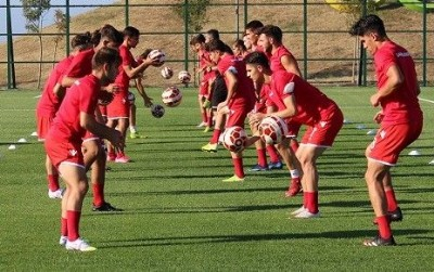 Futbol akademisi start verdi