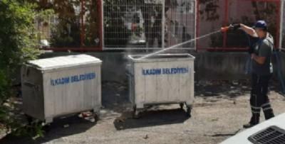 Büyükşehir'den sinek ilaçlaması