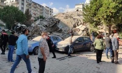 İlk belirlemelere göre 20 bina çöktü