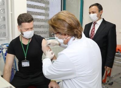Yerli aşı insanda denenmeye başlandı
