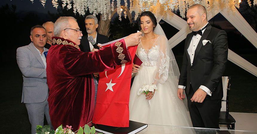 Damla ve Murat mutluluğa yelken açtı